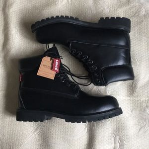 Levi's lace up water resistant boots size 10.5
